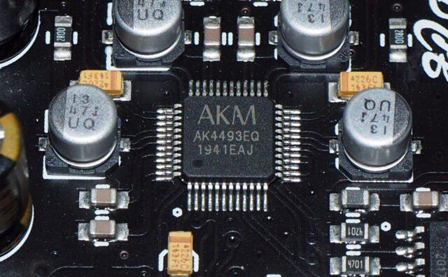 AK4493チップ