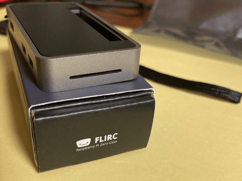 flirc カメラケーブル用スリット